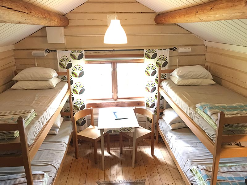 4-person cottage inside