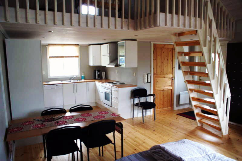 6-person cottage, living / kitchen