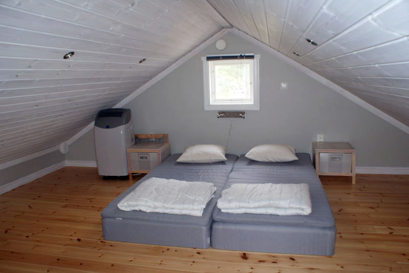 6-person cottage, bedroom (upstairs)